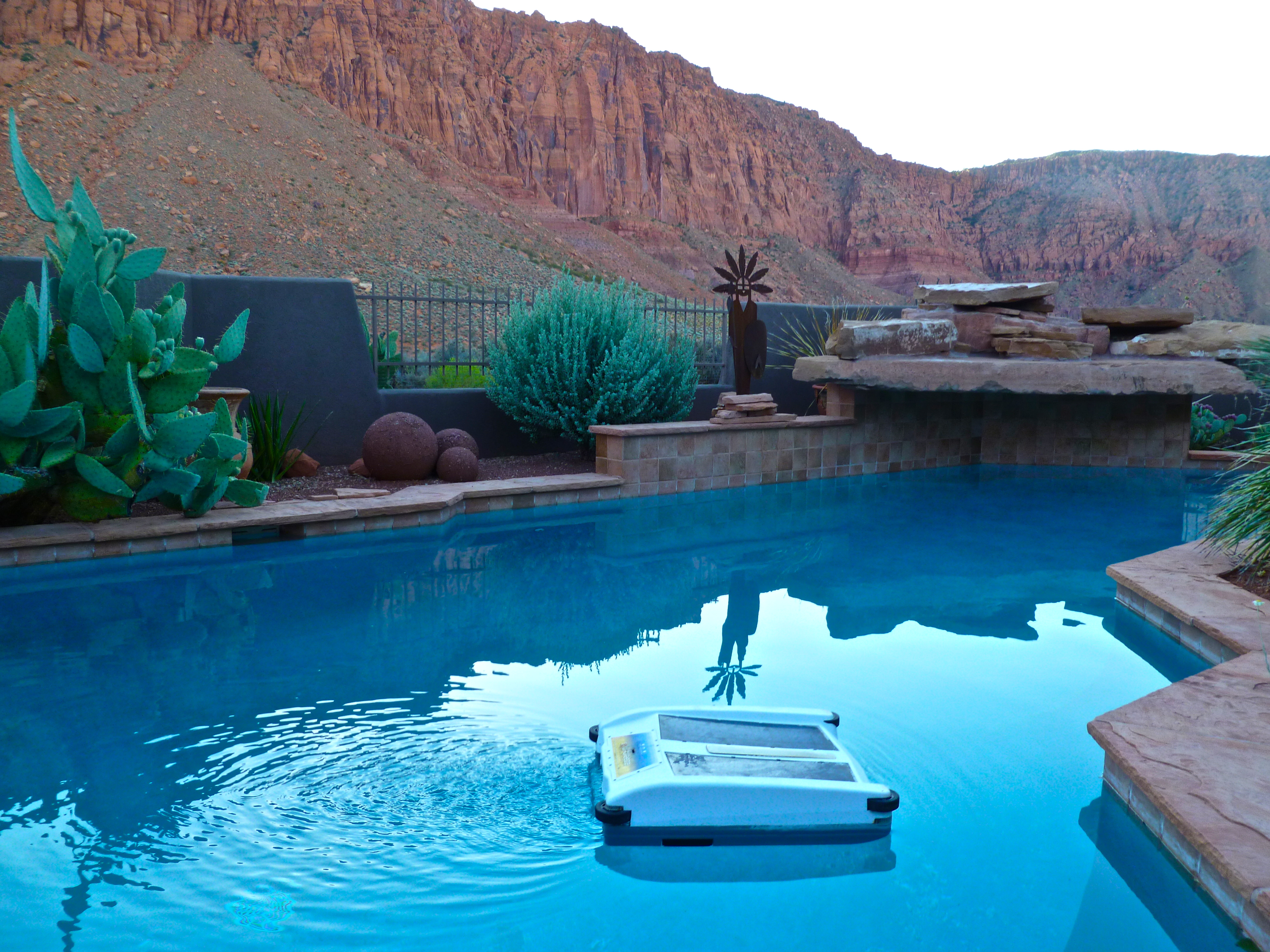 Beautiful utah pool with solar breeze solar pool for Pool pictures